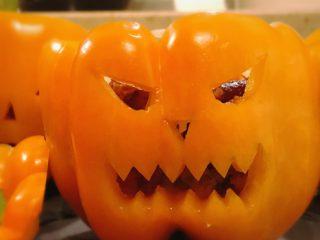 Gefüllte Halloween Paprika Party-Rezept