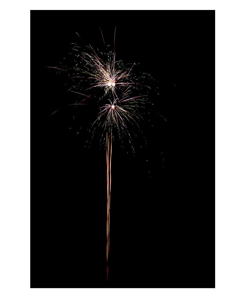 Grune Farbe Feuerwerk : Shark Batteriefeuerwerk 25 Schuss  Feuerwerk mit Farb & Knatter